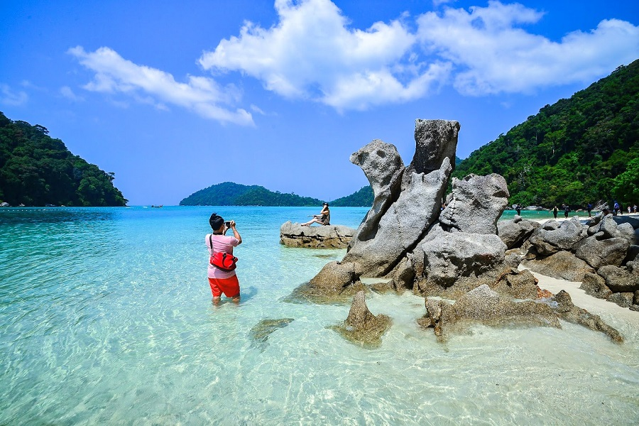 Surin Islands 2 Days 1 Night Tour by Speed Boat